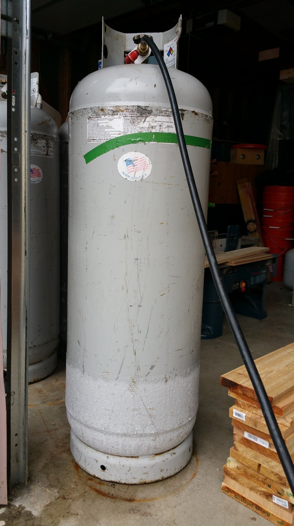100-tank-w-condensation-full-shot