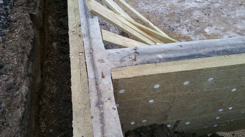 south-view-of-garage-house-foundation-connection-w-roxul
