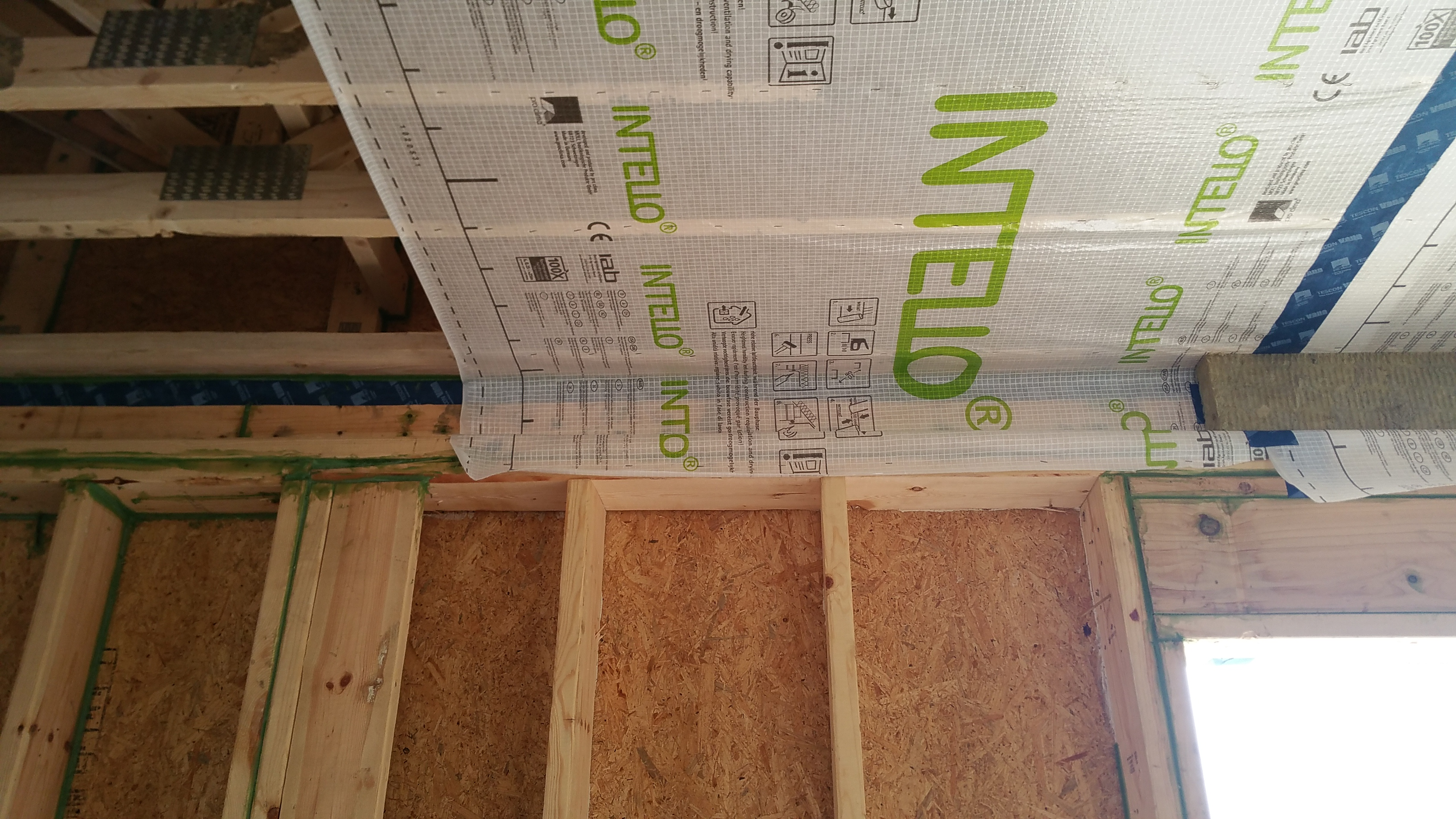 bare trusses - intello - intello w: single layer CB 80 - service chase
