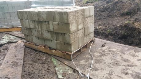 pallet of retaining wall block