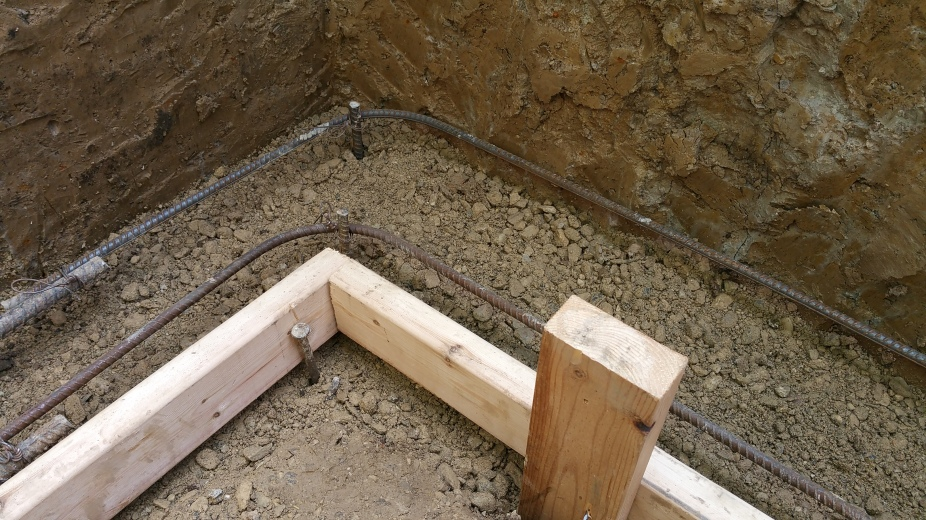prep for footing: crushed stone-form-rebar