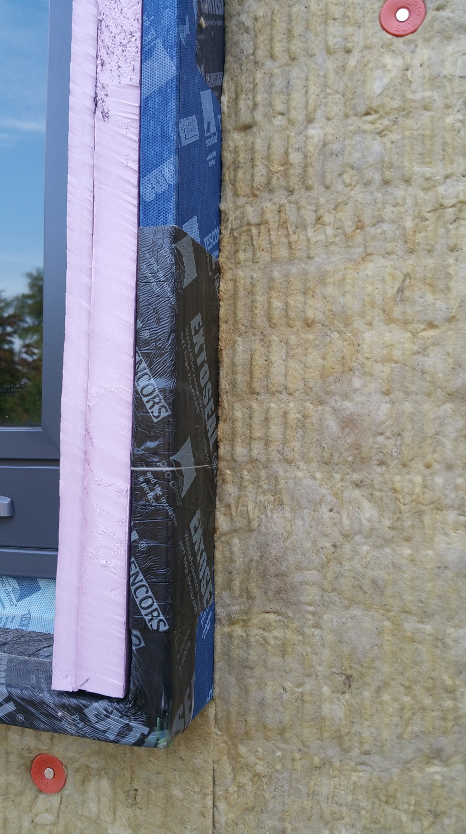 1st layer rockwool at wdw buck