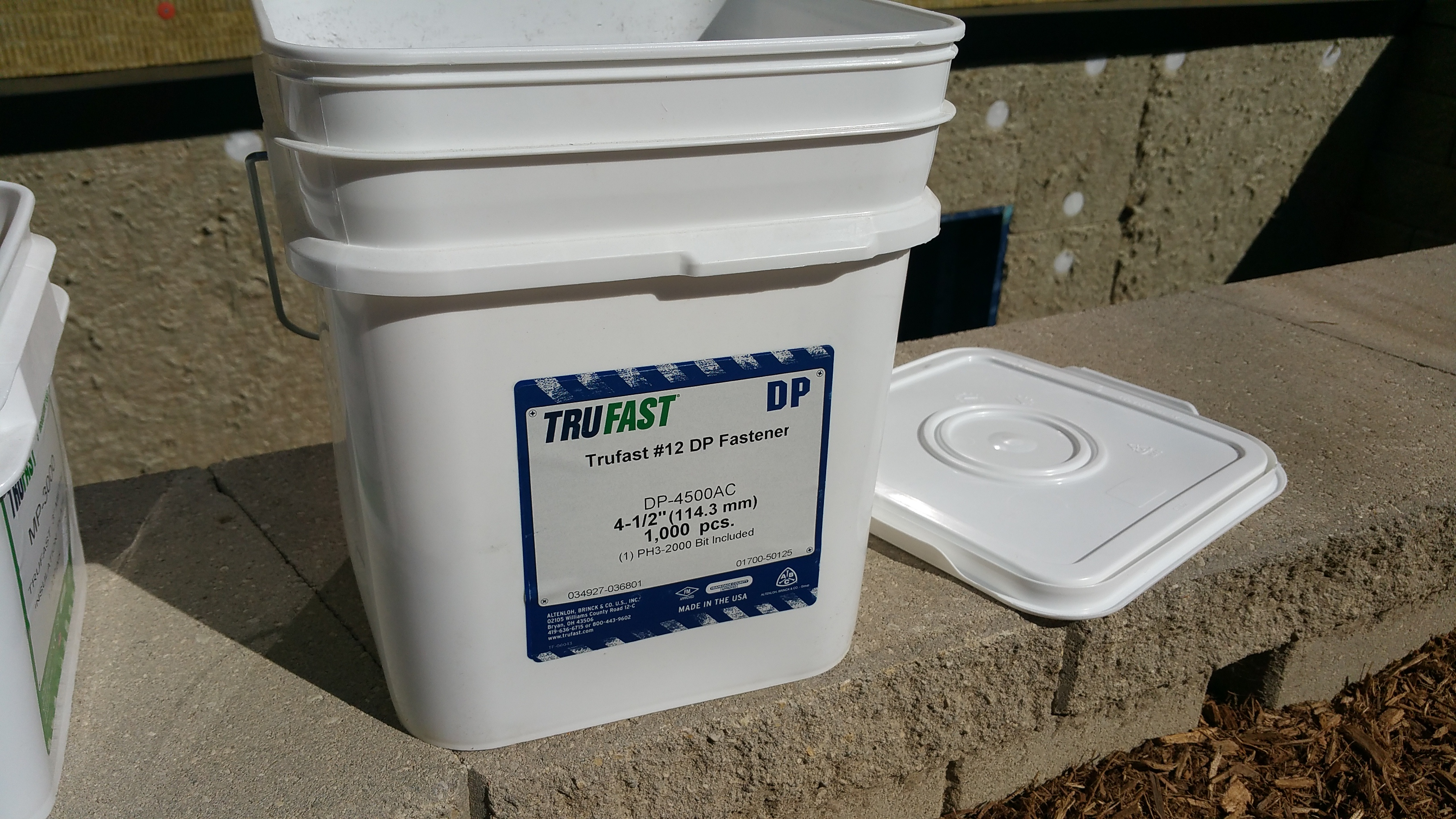 trufast screw bucket