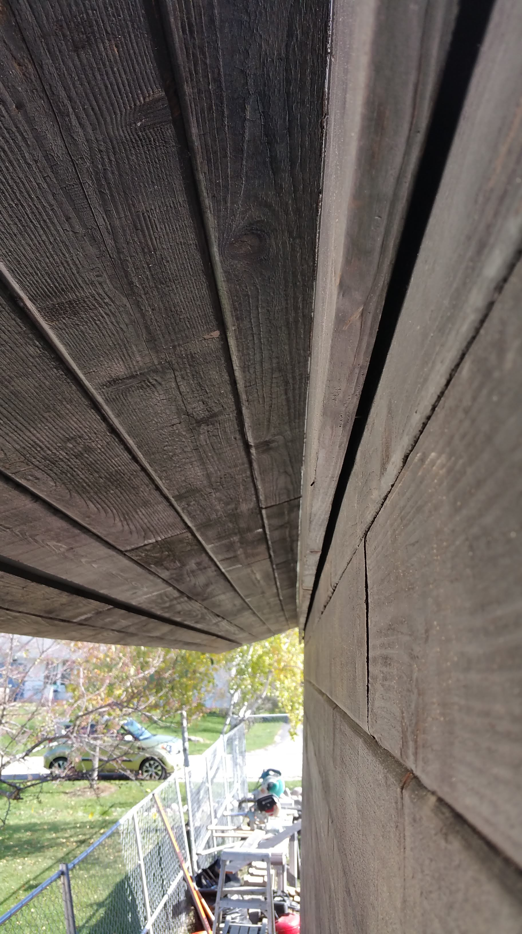 close up rainscreen gap n garage